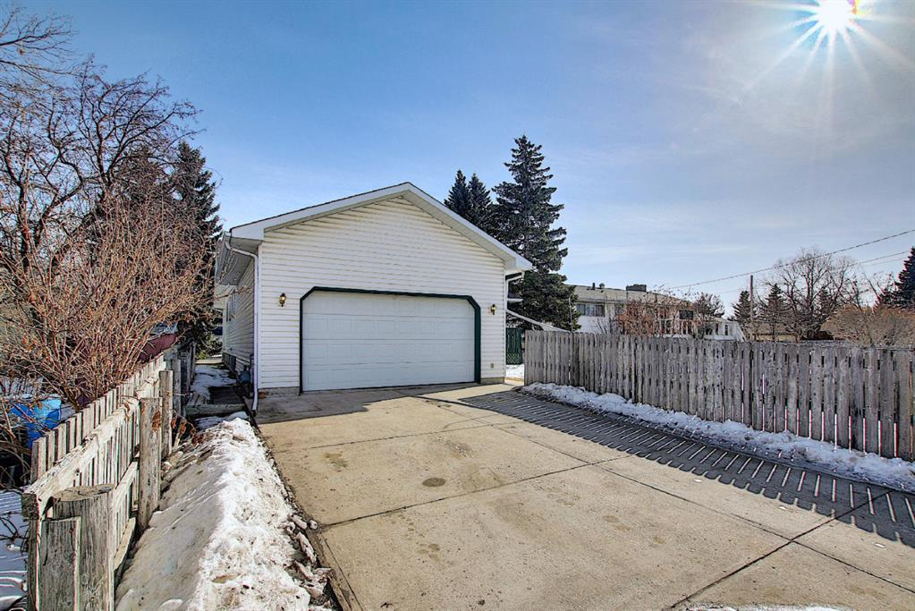 Listing A1075932 - Large Photo # 47