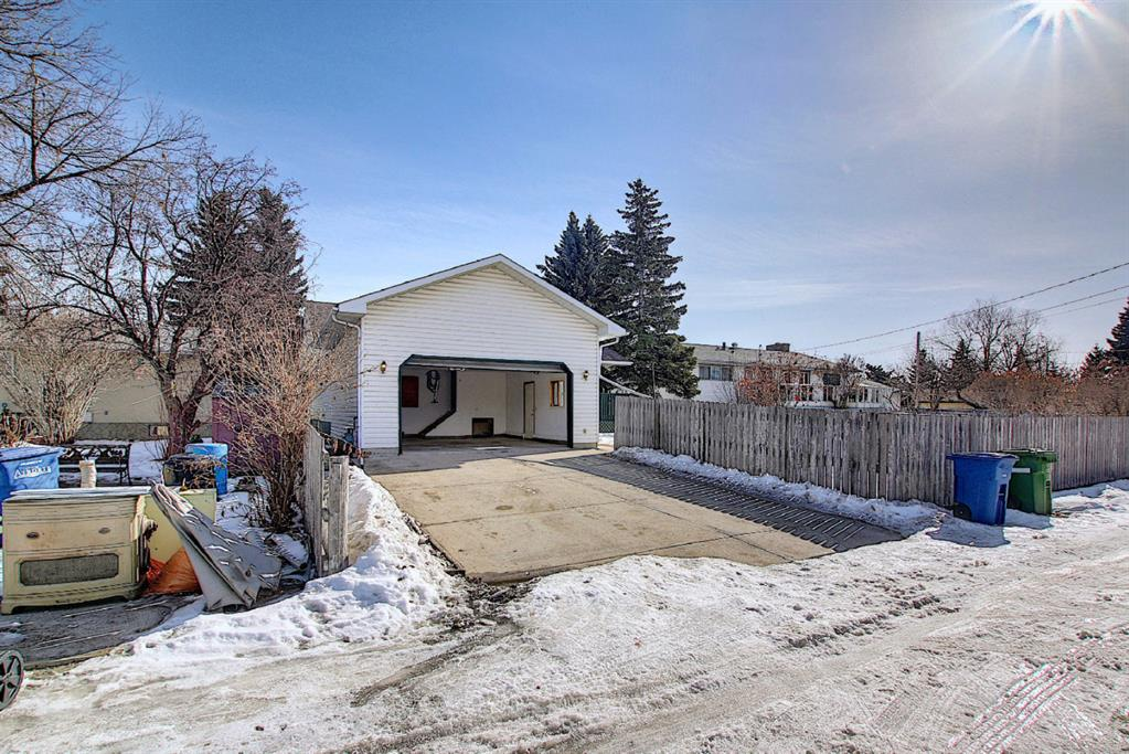 Listing A1075932 - Large Photo # 46