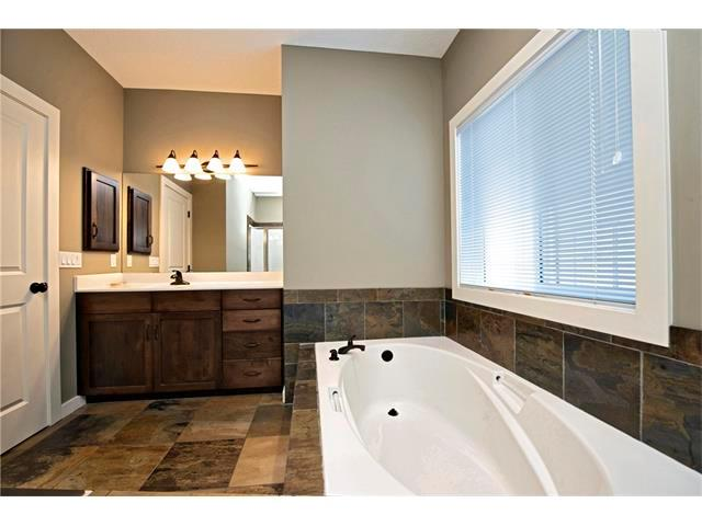 Listing A1075998 - Large Photo # 14