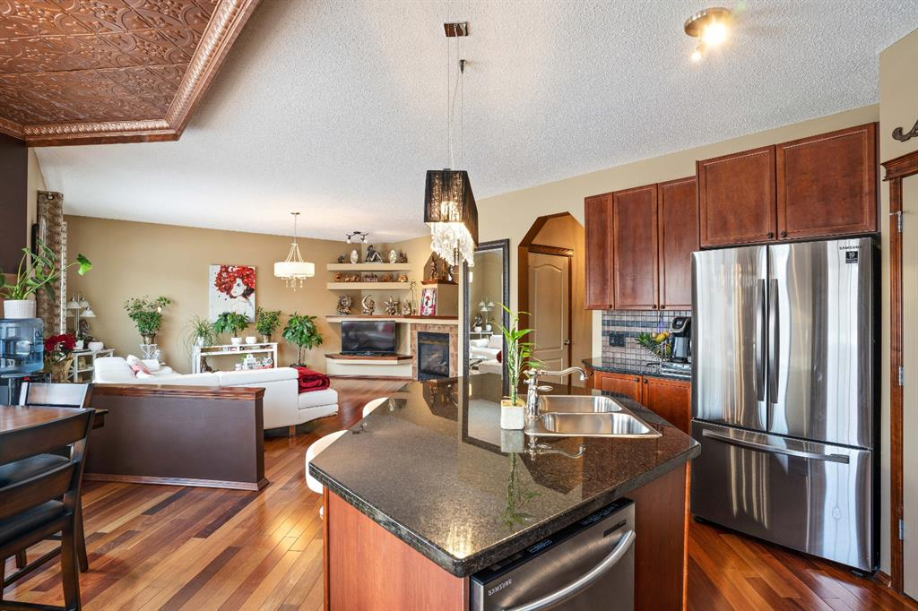 Listing A1076142 - Large Photo # 14