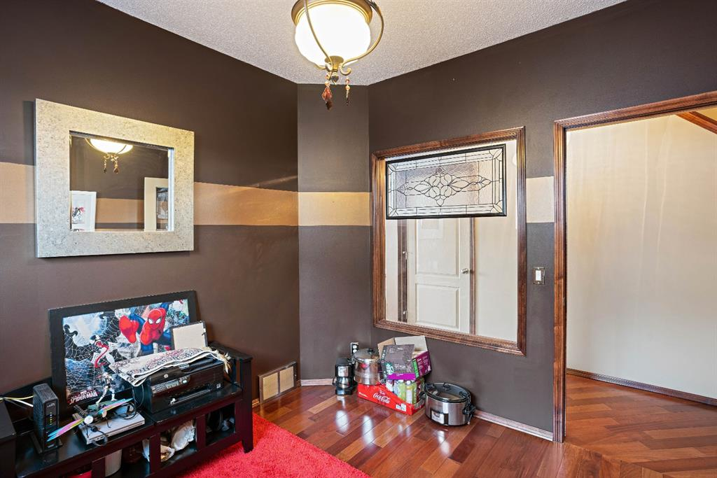 Listing A1076142 - Large Photo # 20