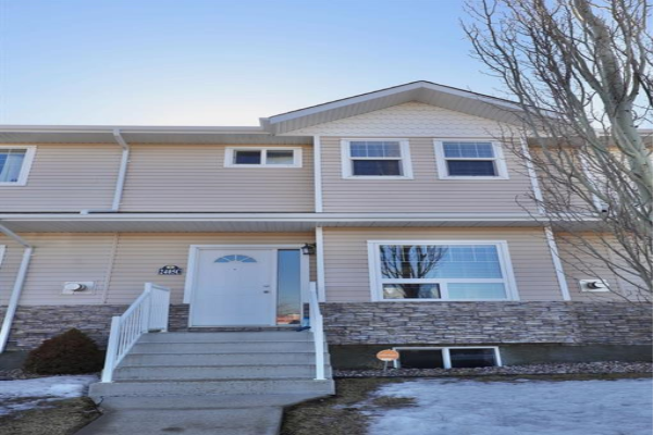 2405C Valleyview Drive, Camrose