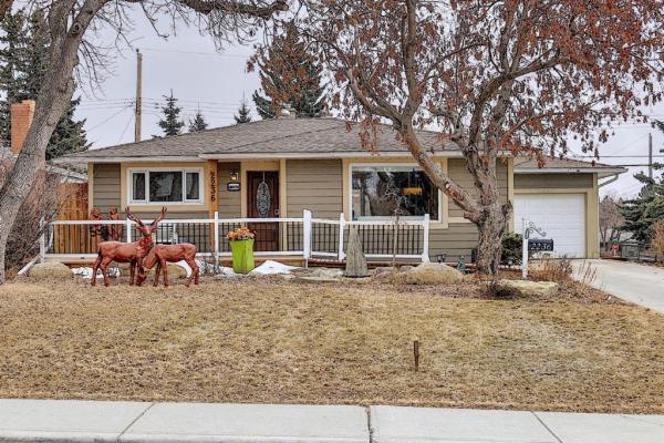 2236 38 Street SW, Calgary