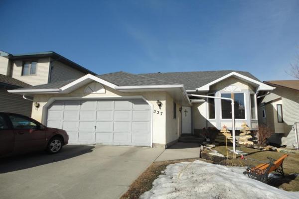 327 Sandalwood Close NW, Calgary