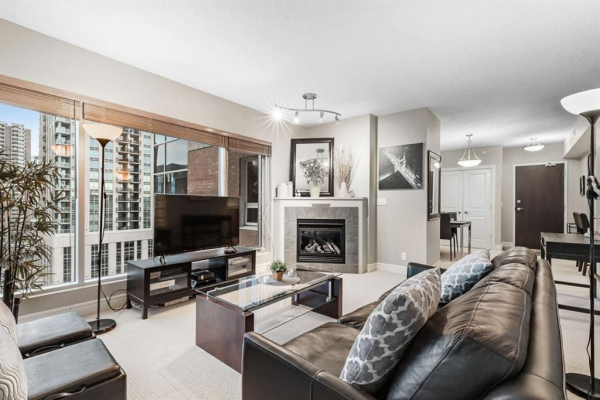920 5 Avenue SW, Calgary