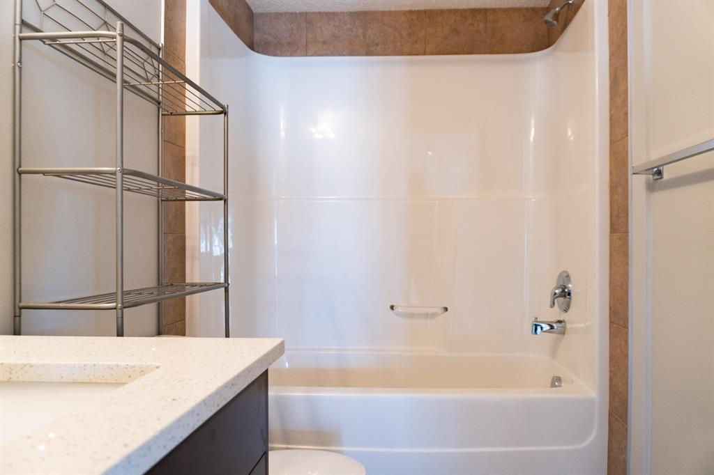Listing A1079409 - Large Photo # 4
