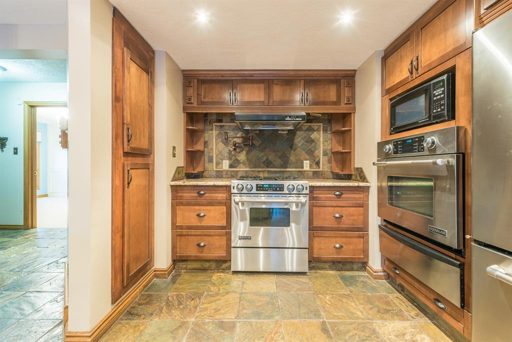 Listing A1079840 - Large Photo # 15