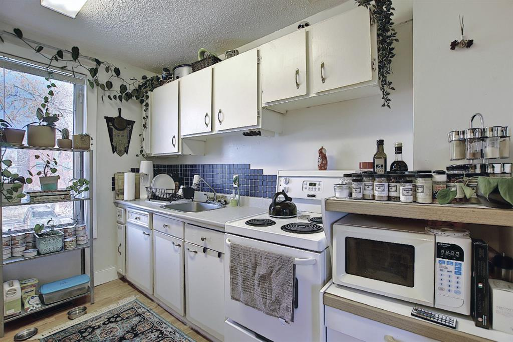 Listing A1081359 - Large Photo # 24