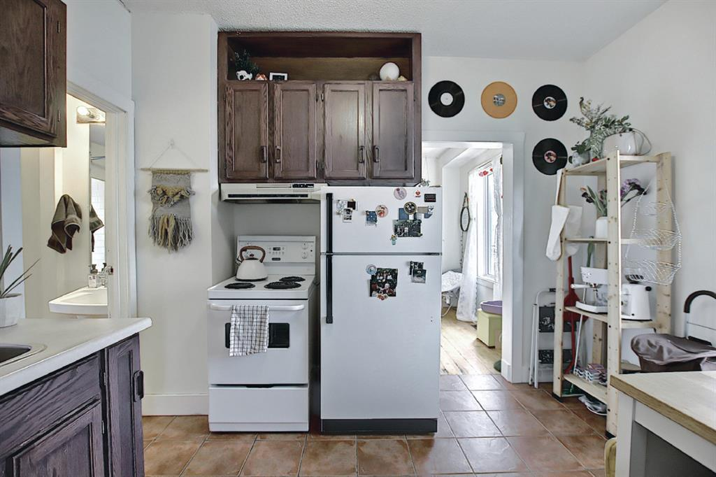 Listing A1081359 - Large Photo # 13