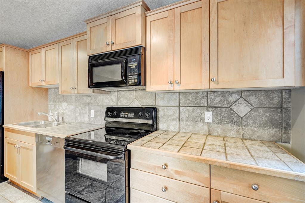 Listing A1081743 - Large Photo # 9