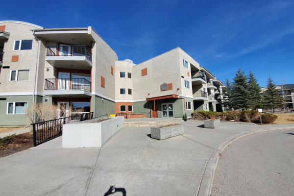 69 Springborough Court SW, Calgary