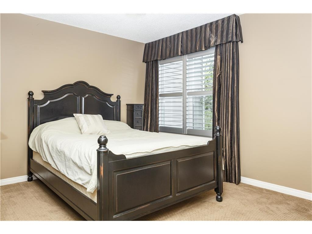 Listing A1083587 - Large Photo # 26