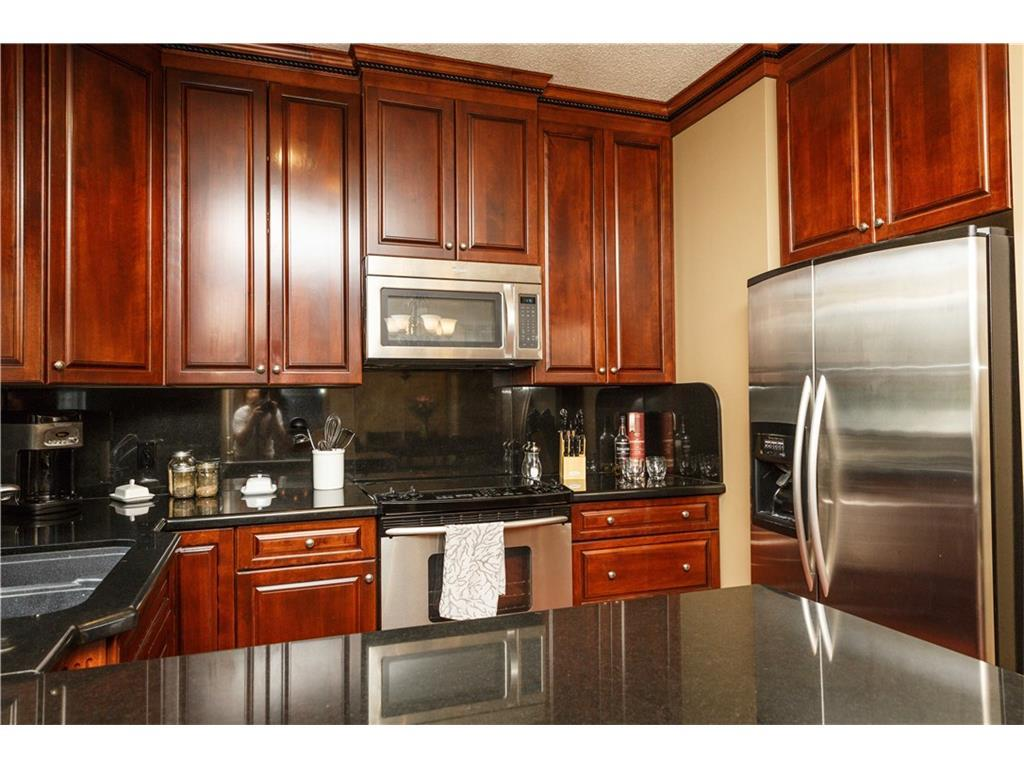 Listing A1083587 - Large Photo # 13