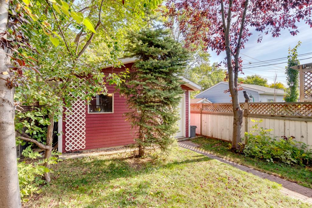Listing A1083648 - Large Photo # 44