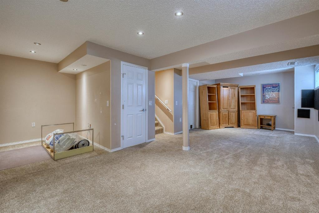 Listing A1084129 - Large Photo # 19