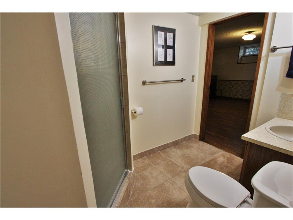 Listing A1084493 - Thumbmnail Photo # 39