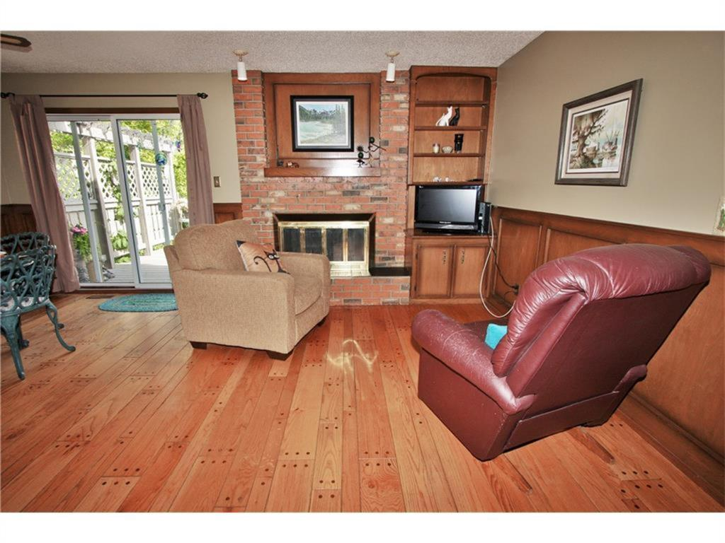Listing A1084493 - Thumbmnail Photo # 19