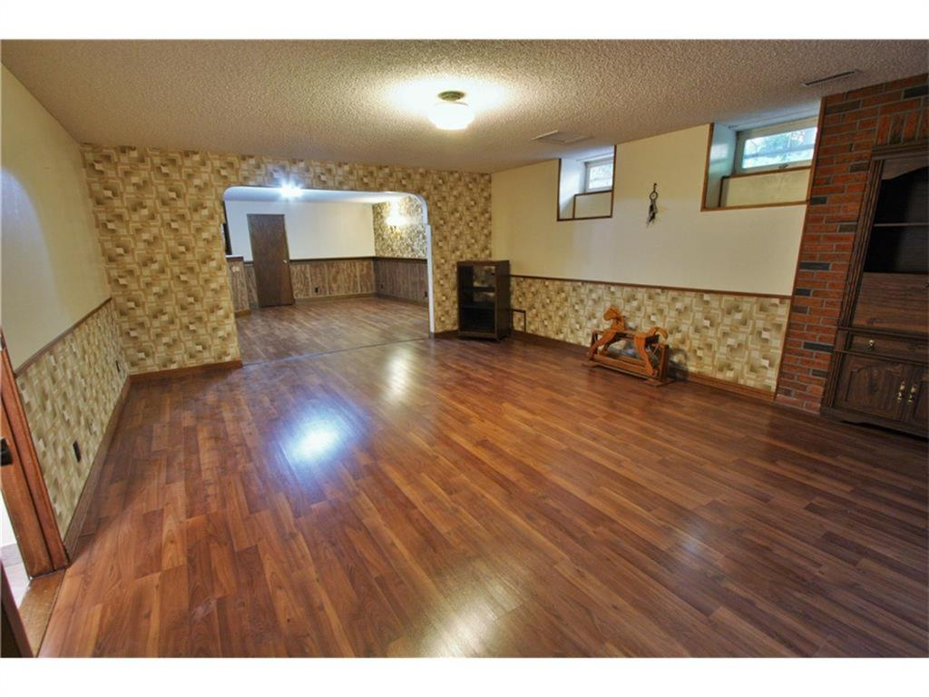 Listing A1084493 - Thumbmnail Photo # 34