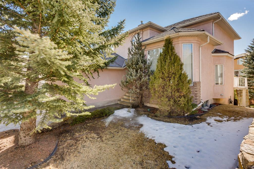 Listing A1086079 - Large Photo # 3