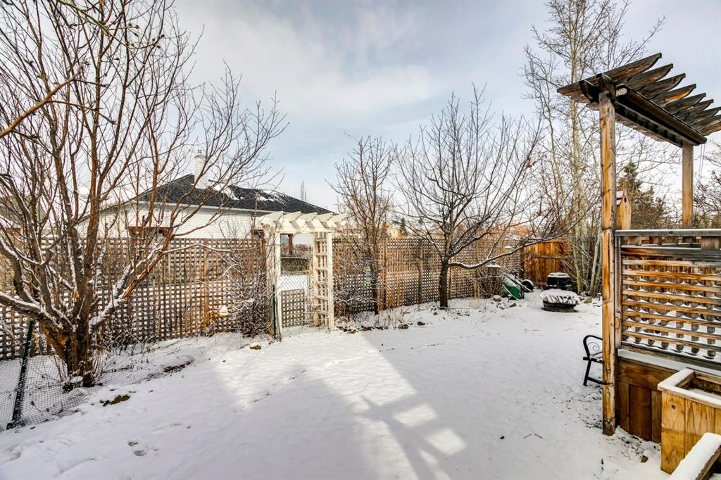 Listing A1086158 - Large Photo # 42
