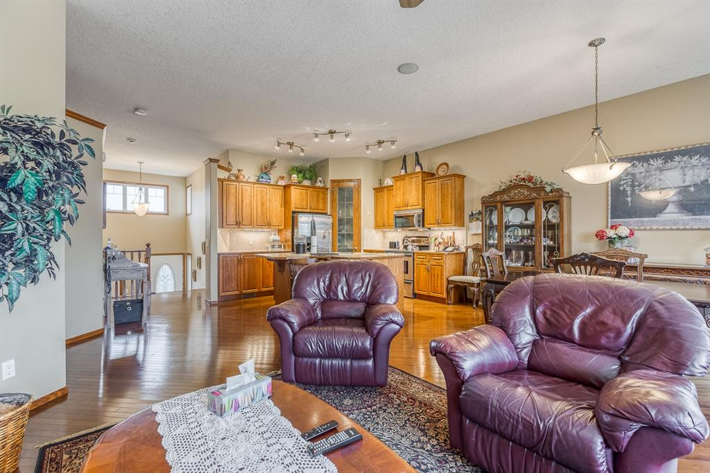 Listing A1086359 - Large Photo # 7