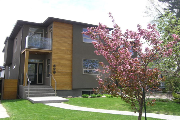 528 31 Street NW, Calgary