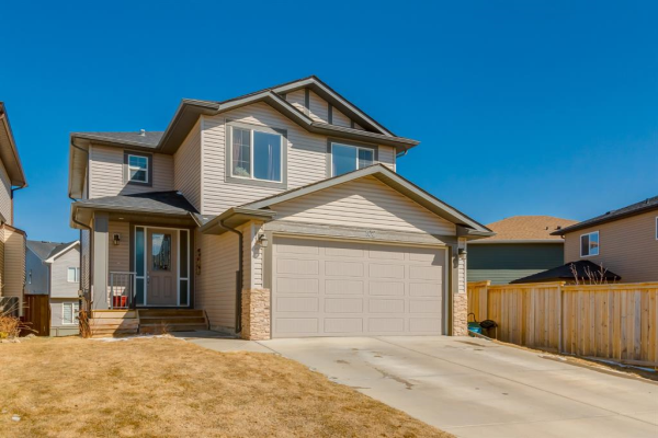 102 Bayview Street SW, Airdrie