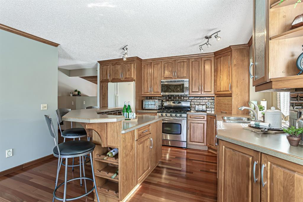 Listing A1088351 - Large Photo # 7