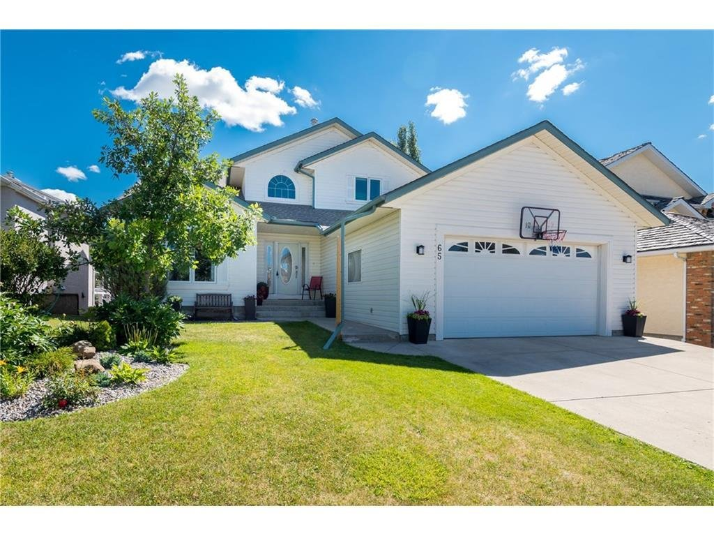 Listing A1088394 - Large Photo # 1
