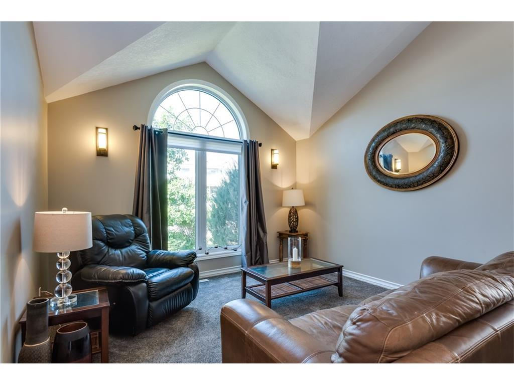 Listing A1088394 - Large Photo # 4