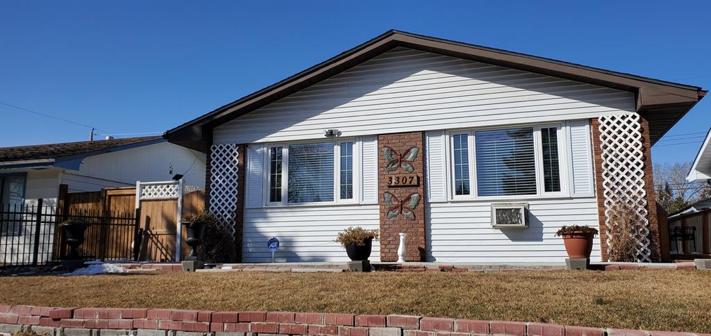 Listing A1088597 - Large Photo # 2