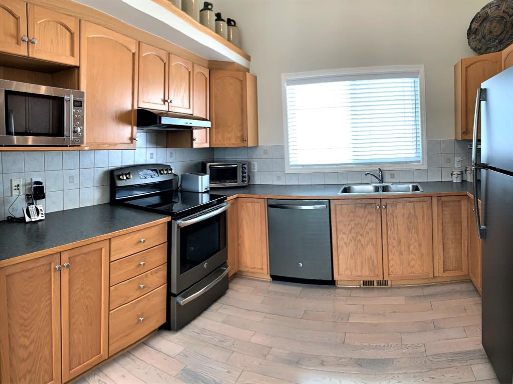 Listing A1088843 - Large Photo # 9