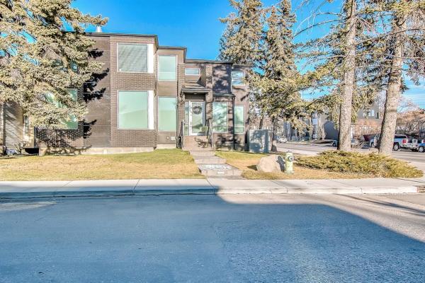 2104 32 Avenue SW, Calgary