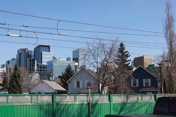 315 9A Street NW, Calgary