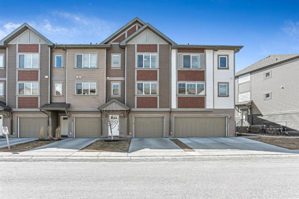 111 Copperpond Villas SE, Calgary