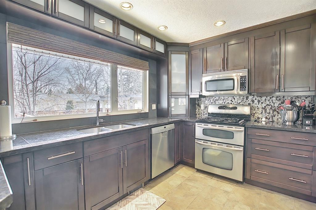 Listing A1091895 - Large Photo # 13