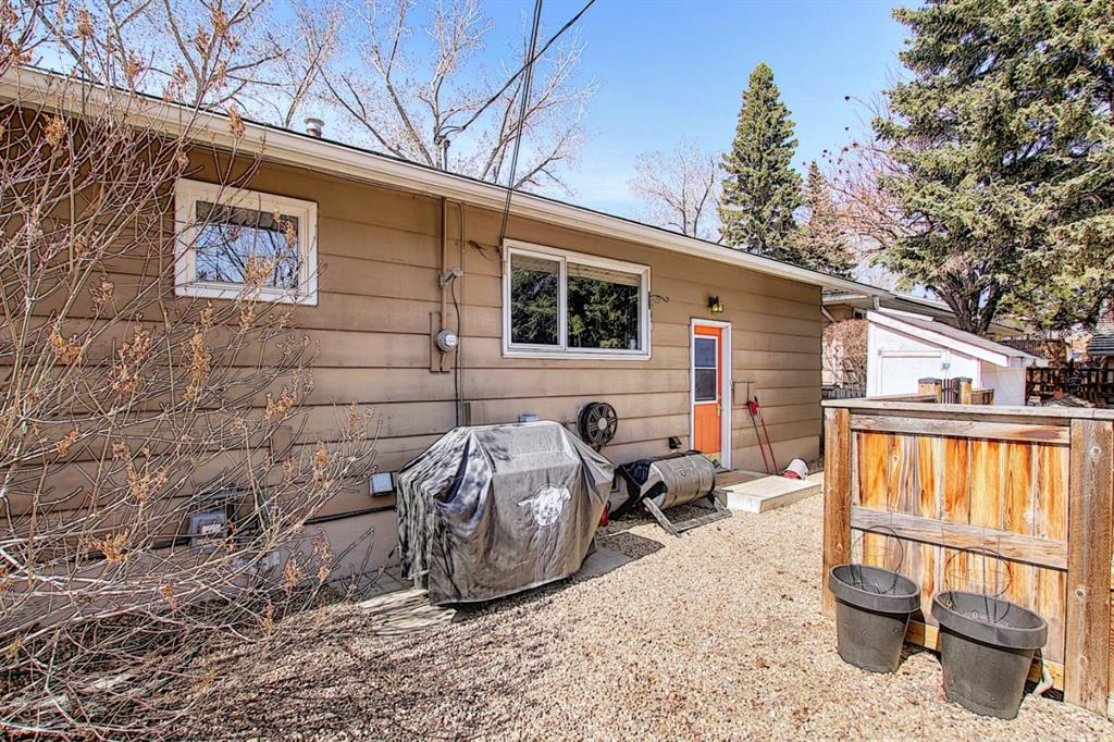 Listing A1091895 - Large Photo # 39