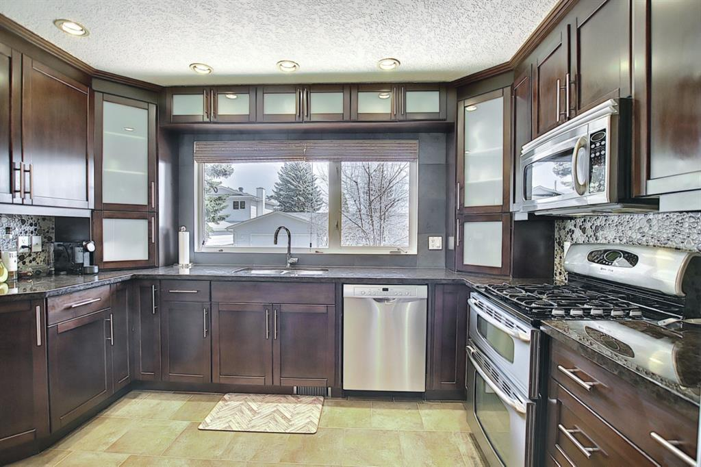 Listing A1091895 - Large Photo # 12
