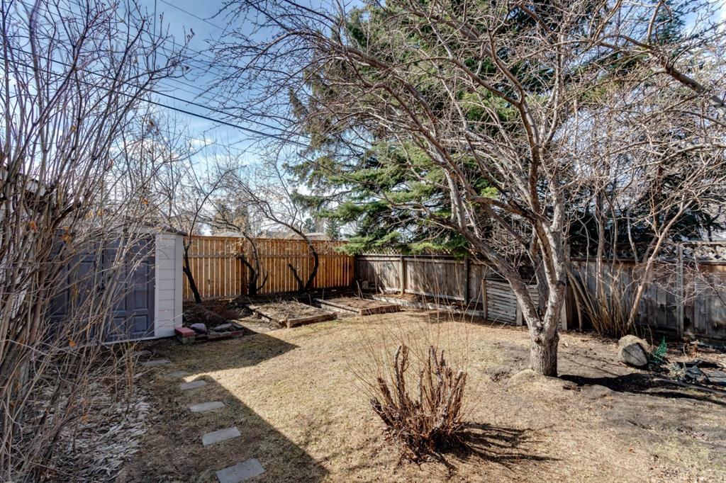 Listing A1091921 - Large Photo # 37