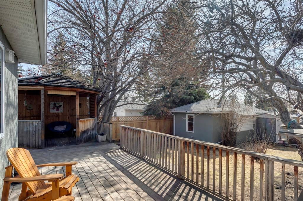 Listing A1091921 - Large Photo # 44