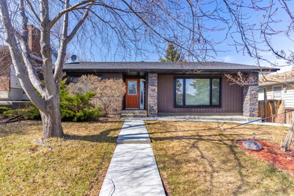 332 Parkridge Way SE, Calgary