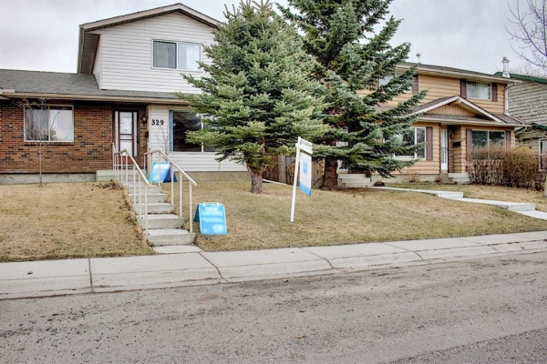 329 Woodvale Crescent SW, Calgary