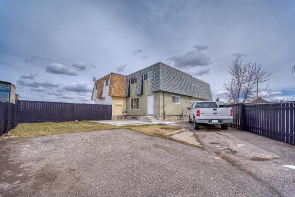 36 Doverdale Mews SE, Calgary