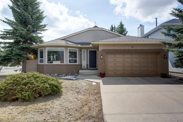96 Wood Valley Rise SW, Calgary