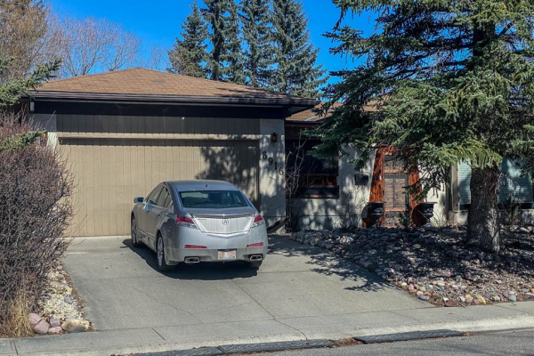 6916 Silverview Road NW, Calgary