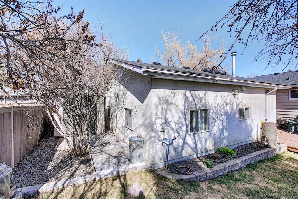 Listing A1094647 - Large Photo # 24