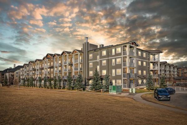 115 PRESTWICK Villas SE, Calgary