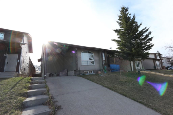 4341 58 Street NE, Calgary