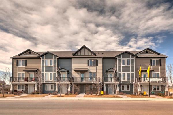 419 Legacy Village Way SE, Calgary
