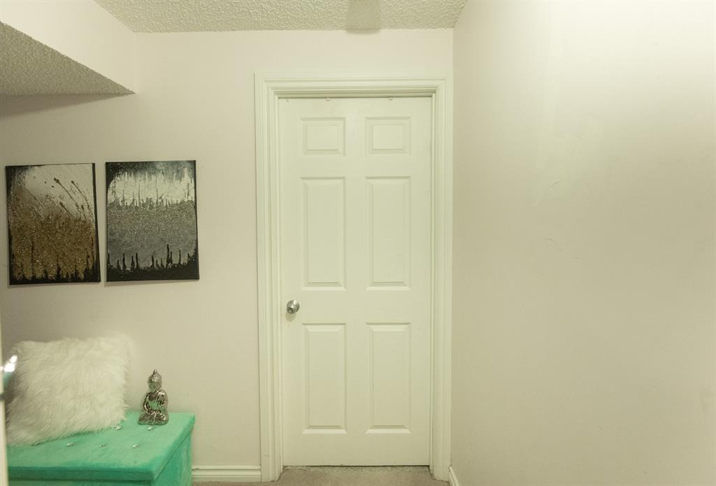 Listing A1097637 - Thumbmnail Photo # 33